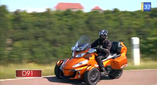 Canal 32 - L'Aube à Moto Can-Am Spyder RT-S