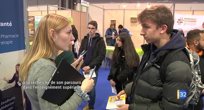 Canal 32 - Trouver son cursus universitaire au Forum Avenir Étudiant