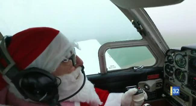 Canal 32 - Barberey-Saint-Sulpice : le Père Noël a troqué son traîneau contre un avion !