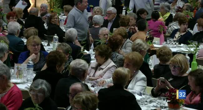 Canal 32 - Troyes : le repas des aînés, une tradition