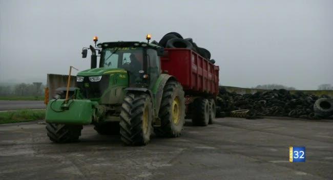 Canal 32 - Pays d'Othe et d'Armance : les agriculteurs recyclent leurs pneus