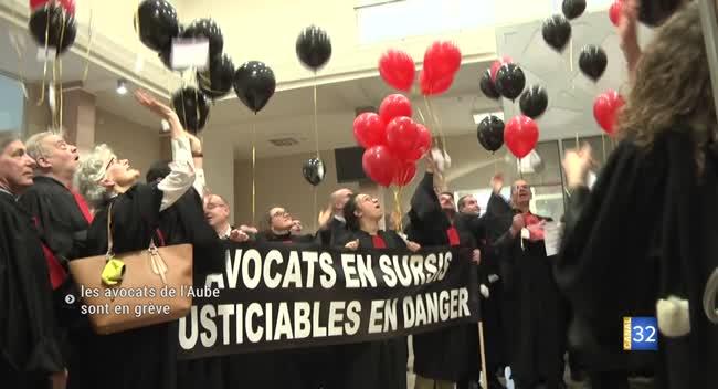 Canal 32 - Les avocats en grève manifestent à l'occasion de l'audience solennelle