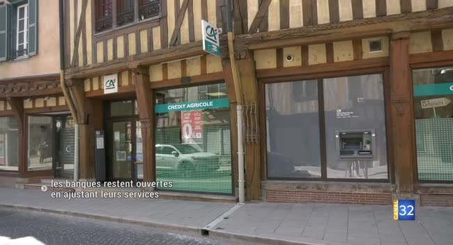 Canal 32 - Covid-19 : les banques restent ouvertes en ajustant leurs services