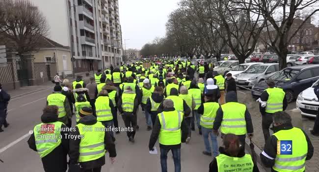 Canal 32 - Les Gilets jaunes manifestent et rencontrent Franck Dubosc. Reportage complet