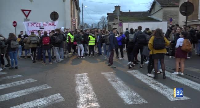 Canal 32 - Bar-sur-Aube : les lycéens aubois se mobilisent à leur tour