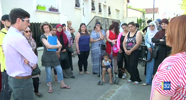 Canal 32 - Troyes : les parents de l'école Charles-Chevalier inquiets autour de la fermeture d'une classe
