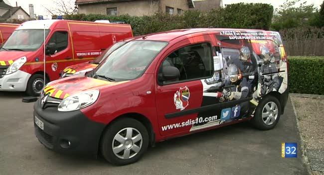 Canal 32 - Les pompiers de l'Aube font la promotion du volontariat sur 2 véhicules