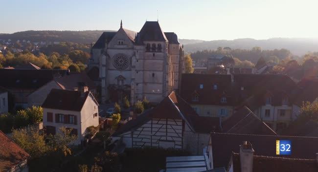 Canal 32 - Les Rencontres de la Cité du Vitrail - l'église Saint-Etienne de Bar-sur-Seine