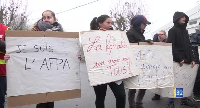 Canal 32 - Les salariés de l'Afpa de Romilly-sur-Seine protestent contre sa fermeture