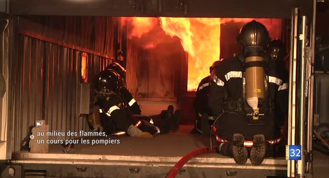 Canal 32 - Pompiers : des cours au milieu des flammes grâce à un caisson pédagogique