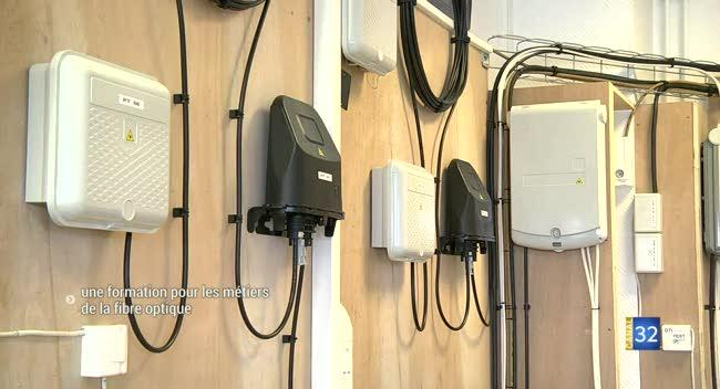 Canal 32 - Pont-Sainte-Marie : une plateforme pour se former aux métiers de la fibre optique
