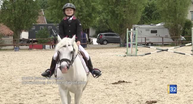 Canal 32 - Quatre jeunes auboises championnes de France d'équitation