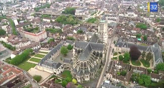 Municipales quatre listes en lice pour la ville de for Piscine des chartreux troyes