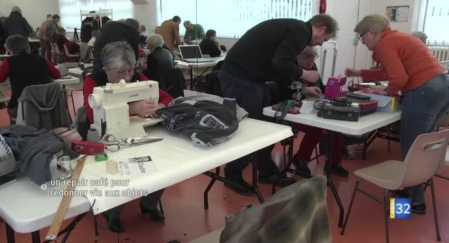 Canal 32 - Repair Café : des réparateurs bénévoles pour donner une deuxième vie aux objets