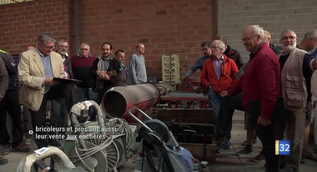 Canal 32 - Saint-Parres-les-Vaudes : la vente aux enchères attire les bricoleurs et professionnels du BTP