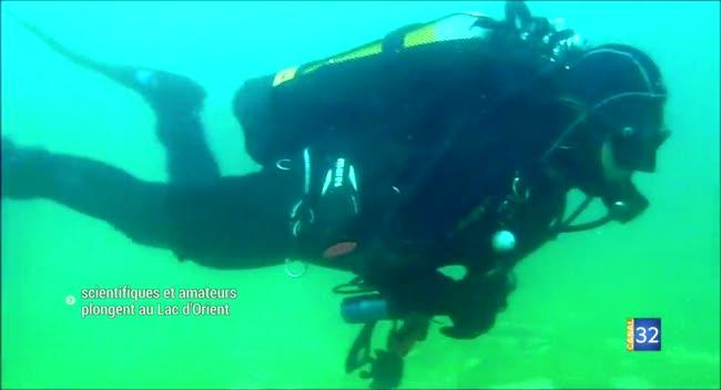 Canal 32 - Scientifiques et amateurs plongent au Lac d'Orient