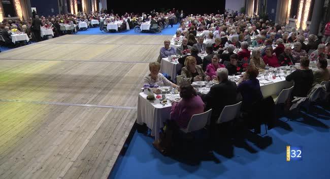 Canal 32 - Troyes : 450 aînés conviés au repas de printemps