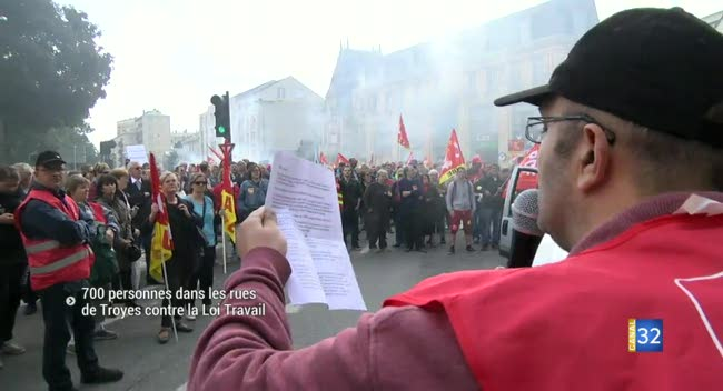 Canal 32 - Troyes : 700 personnes dans les rues contre la Loi Travail