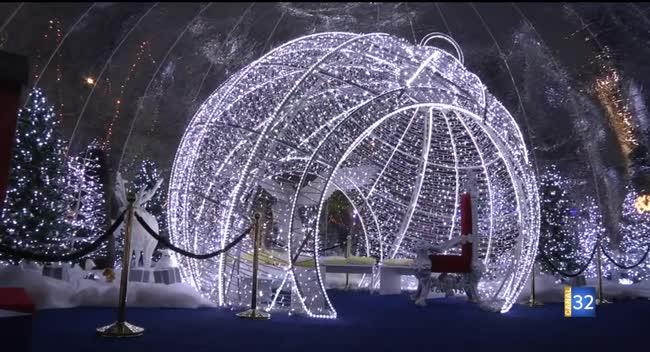 Canal 32 - Troyes : des Bulles enchantées de Noël devant l'Hôtel de Ville