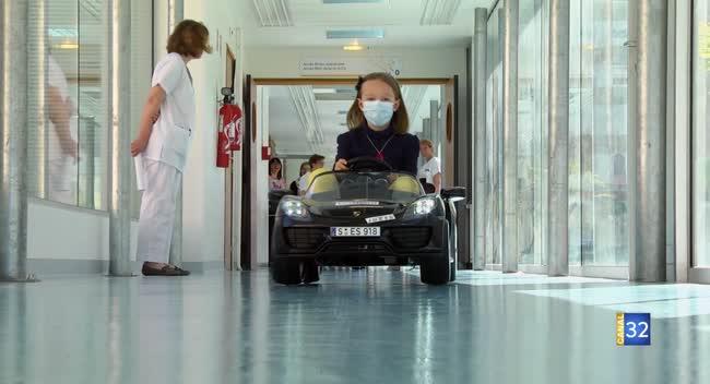Canal 32 - Troyes : deux petites voitures pour rassurer les enfants hospitalisés