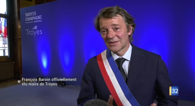 Canal 32 - Troyes : François Baroin élu maire à l'issue d'un conseil municipal à huis clos et masqué