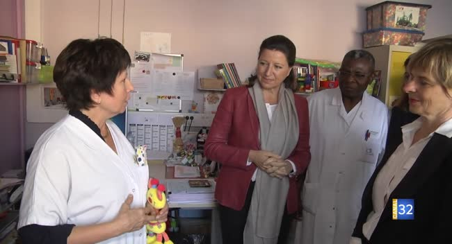 Canal 32 - Troyes : la ministre de la Santé inaugure le bâtiment mère-enfant Bernadette Chirac
