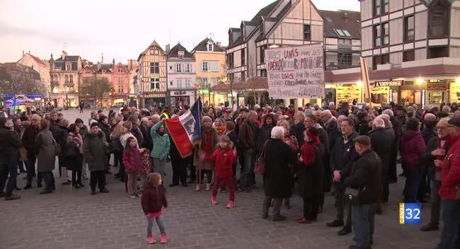 Canal 32 - Troyes : près de 200 personnes rassemblées contre l'antisémitisme