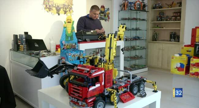 Canal 32 - Troyes : quand métier et passion du Lego s'imbriquent