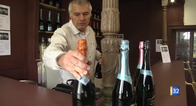 Canal 32 - Un Aubois distribue vins et chocolats de la gastronomie hongroise