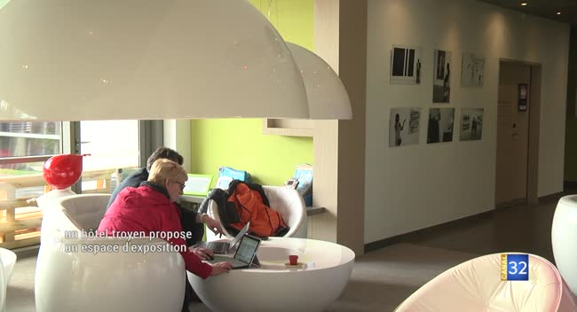Canal 32 - Un hôtel troyen propose un espace d'exposition aux artistes locaux