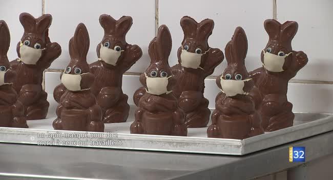 Canal 32 - Troyes : un lapin masqué en chocolat pour dire merci à ceux qui travaillent