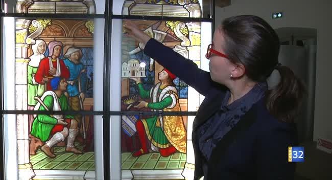 Canal 32 - Un vitrail de l'ancienne chapelle de l'Hôtel-Dieu-le-Comte exposé pour la première fois