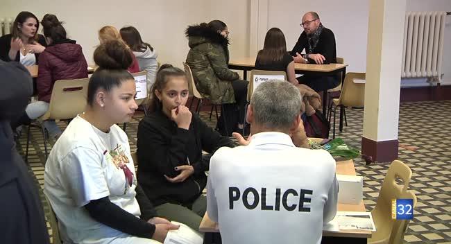 Canal 32 - Les métiers de l'accueil valorisés au lycée Léonie Aviat de Troyes