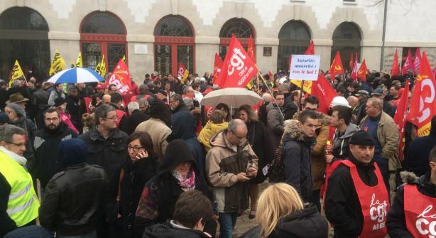 Emission Une manifestation à Troyes contre le projet de réforme du code du travail