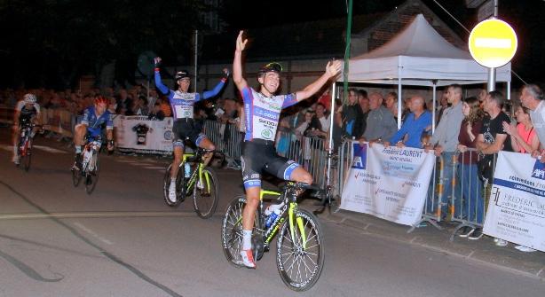 Emission Pierre Barbier du VC Rouen 76 vainqueur au sprint de la 43ème Nocturne de Bar-sur-Aube