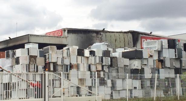 Emission 1500 m2 partent en fumée à l'entreprise Remondis (Saint-Thibault)