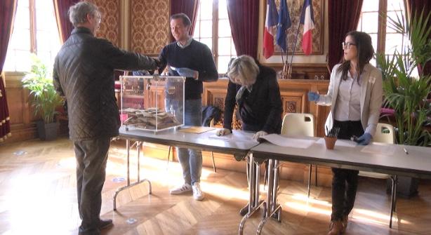 Image Elections municipales : le taux de participation à 12 h dans l'Aube s'élève à 20,10% 0
