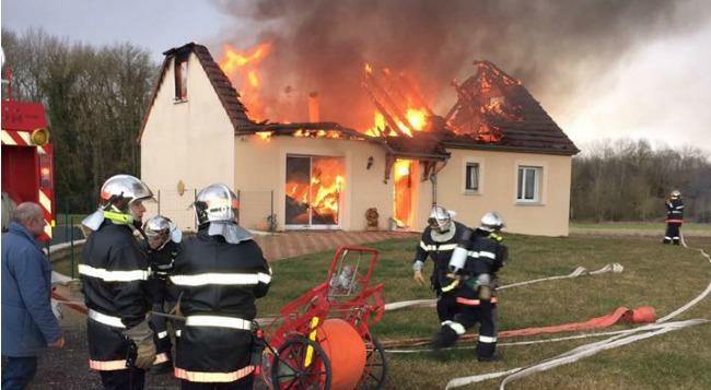 Emission Maison incendiée : des amis lancent une cagnotte solidaire